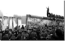 berlin-wall-falling-1